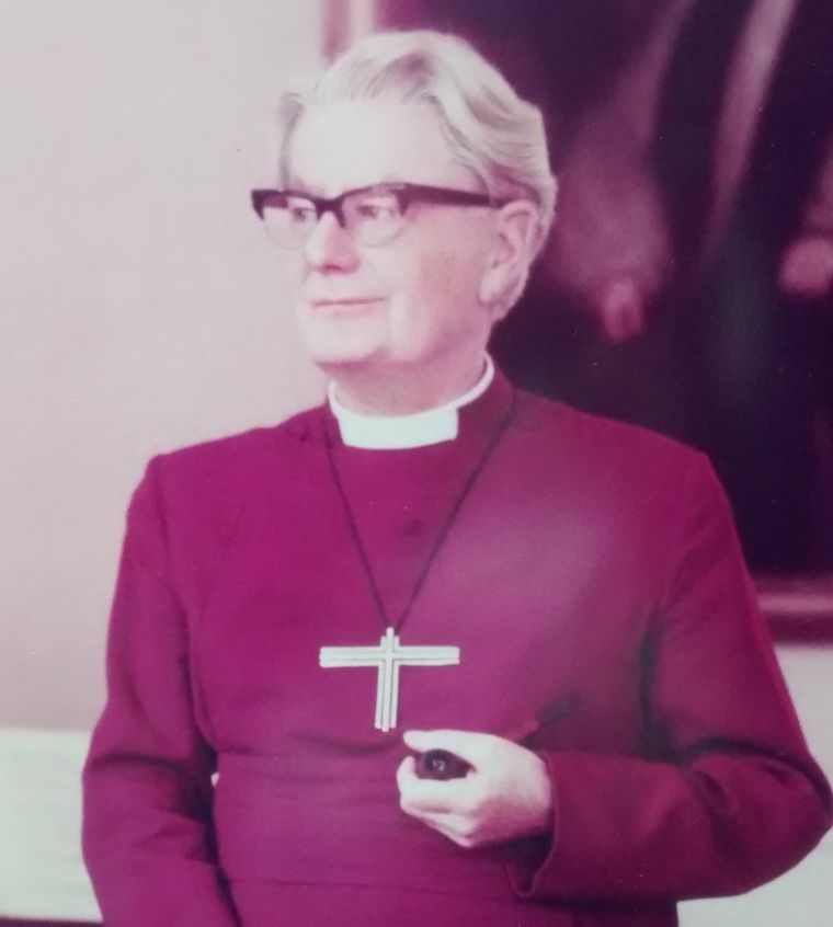 Bishop of Chester Hubert Victor Whitsey
