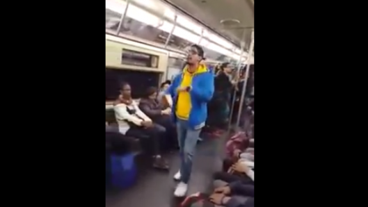young-man-preaches-the-gospel-on-the-new-york-subway-and-people-actually-listen