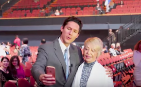 Joel Osteen lookalike fools megachurch pastor's security and even church members, says impersonation is 'in good fun'