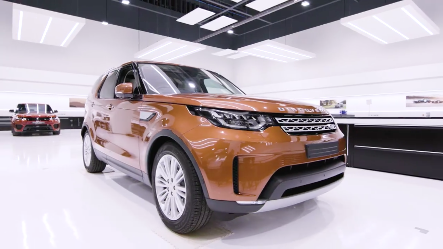 2018 land rover discovery release date specs price news 2018 model offers more new tech and. Black Bedroom Furniture Sets. Home Design Ideas