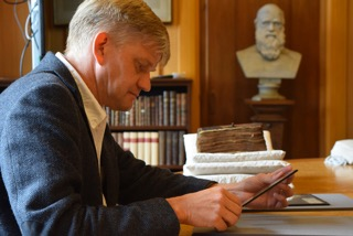 Scholars target 'errors' in Bible editions as 'world's ...