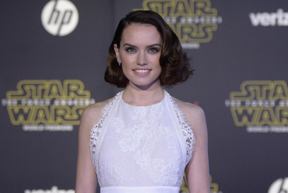 Star Wars: The Last Jedi's Daisy Ridley Talks About Rey's Flaws