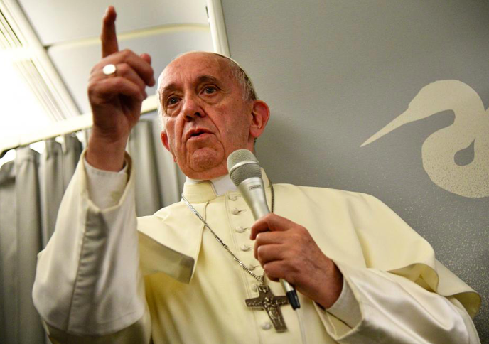 Pope Francis Weighs in With Jerusalem Embassy Warning