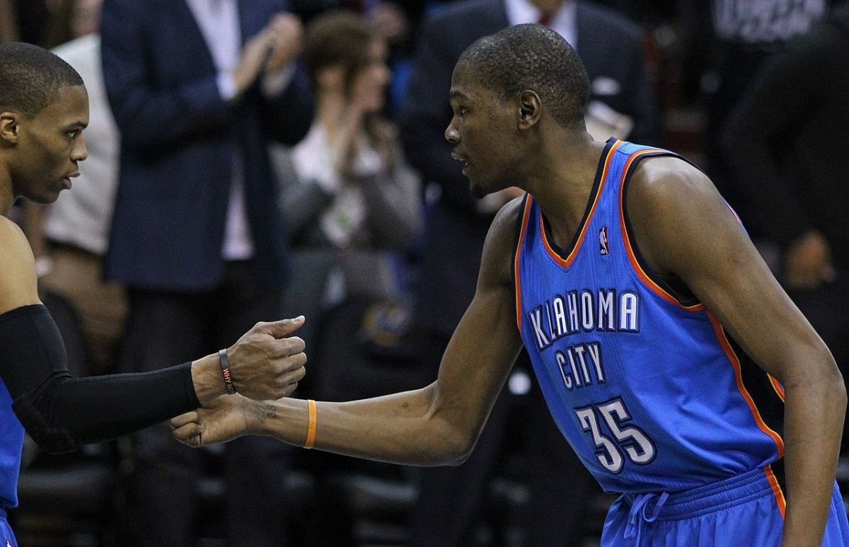 Draymond Green: Kevin Durant 'Leading Candidate' for Defensive Player of the Year