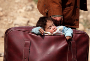 Refugees stream out of eastern Ghouta as Syrian army closes in
