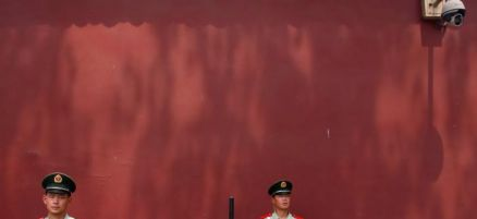 chinese-police-officers