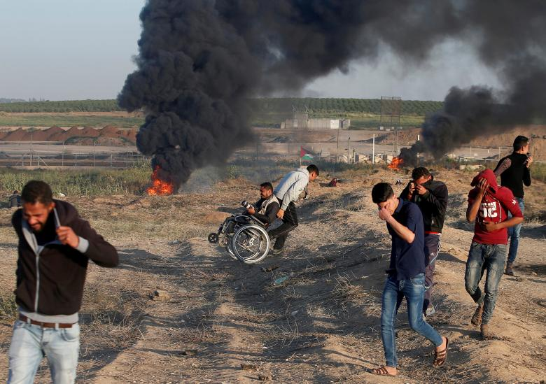 Israeli forces bomb Gaza, killing one Palestinian