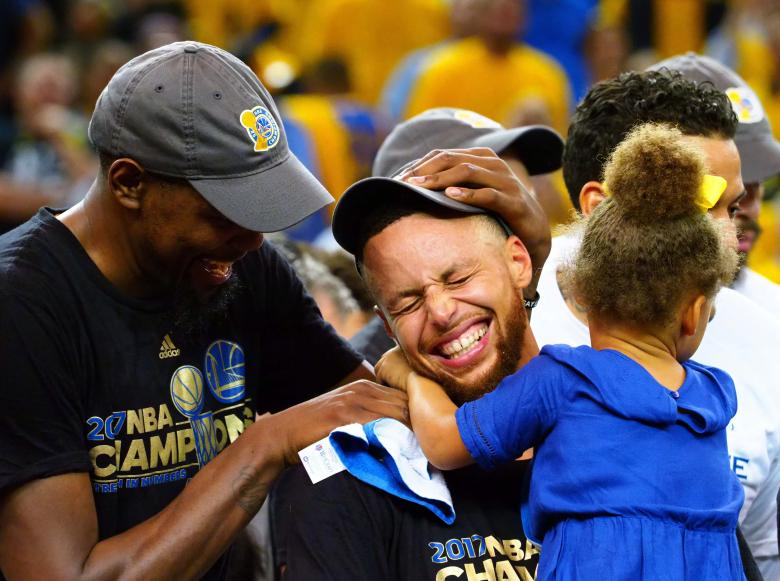 Warriors' Steph Curry expected to play in Game 2