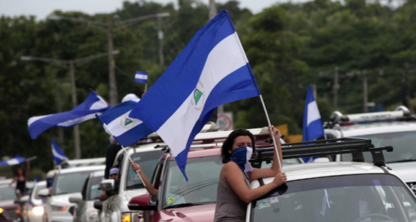 Nicaragua students freed from church siege after violent night; 1 killed