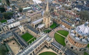 Oxford students vote against Christian group's residential camp