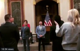 Christian music artists worship Jesus at the White House