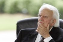 billy-graham-listens-during-a-dedication-ceremony-for-the-billy
