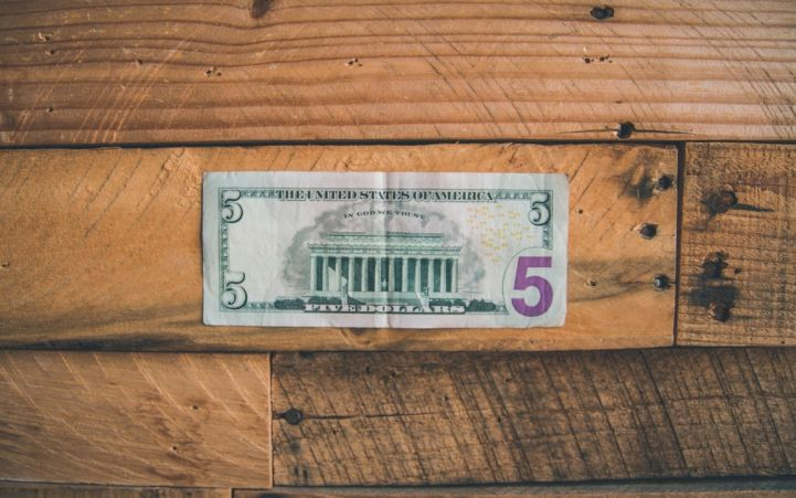 Decline in charitable giving linked to fall in churchgoing